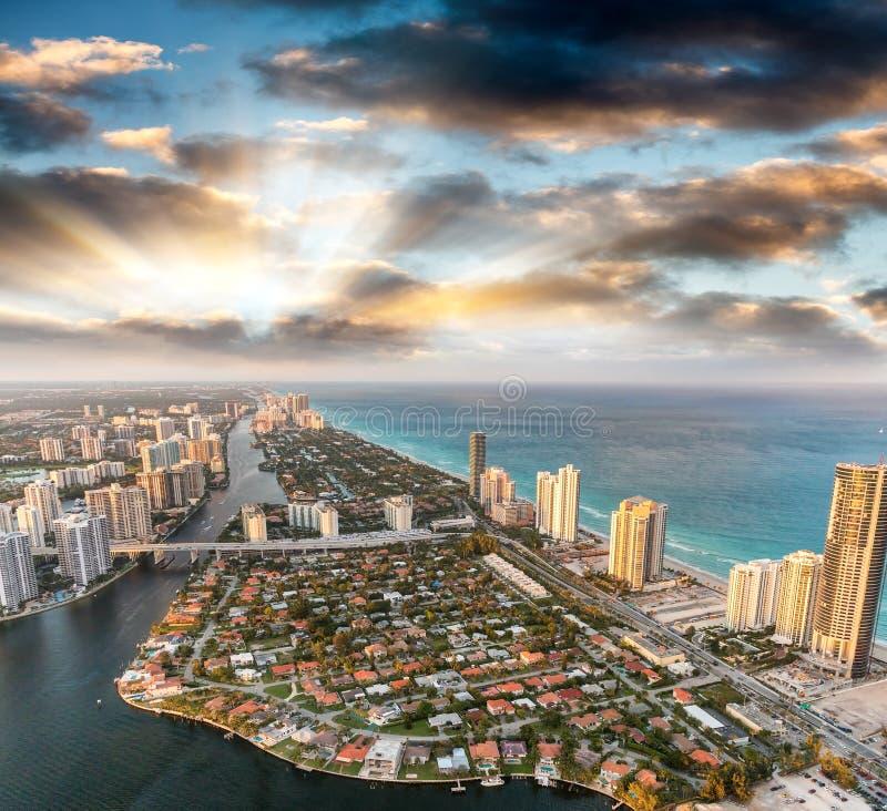 Miami Beach som sett från helikoptern royaltyfri bild
