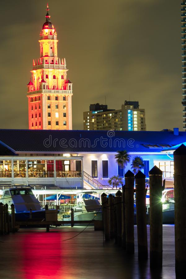 Miami do centro mesmo após o por do sol imagens de stock royalty free