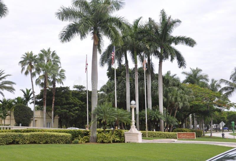Miami, el 9 de agosto: Callejón de la entrada del hotel Biltmore y del club de campo de Coral Gables de Miami en la Florida los E imagen de archivo libre de regalías