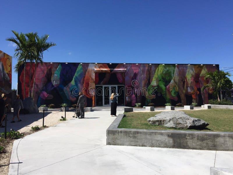 Miami för väggkonstgrafity färg arkivbilder