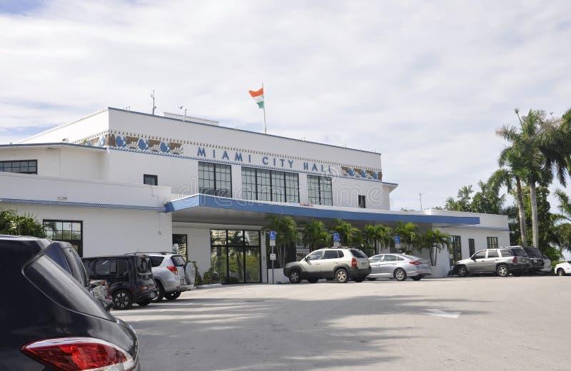Miami FL, 09 Augustus: De CityHallbouw van Miami in Florida de V.S. stock fotografie