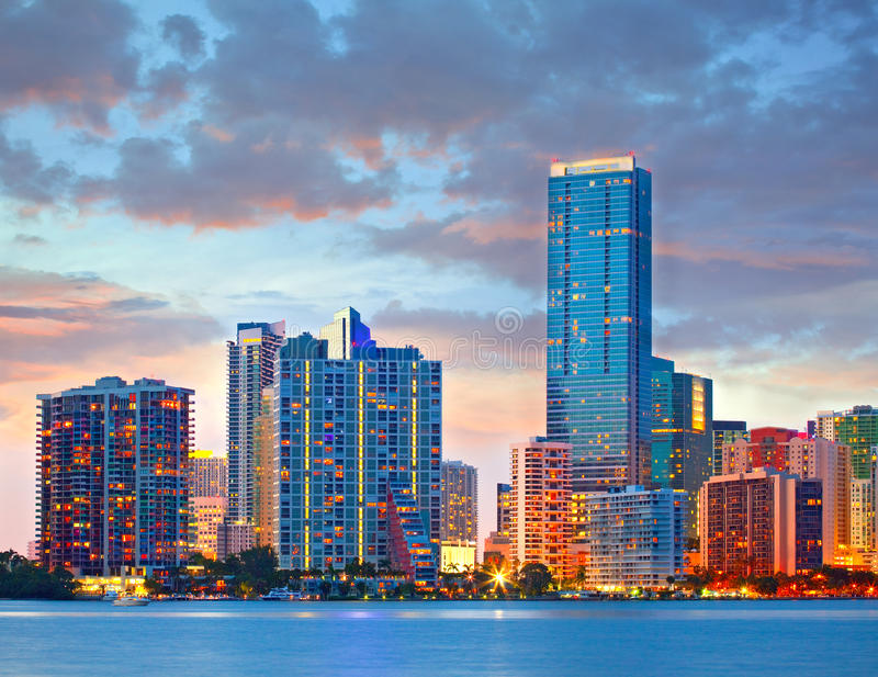 Miami Floryda usa, zmierzch lub wschód słońca nad miasto linią horyzontu, obrazy stock