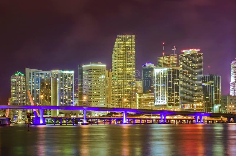 Miami la Florida, luces de los edificios del dowtown fotografía de archivo