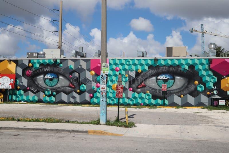 MIAMI, LA FLORIDE - 11 MAI 2019 : Murs Miami de Wynwood Wynwood est un voisinage à Miami, la Floride connue pour son graffiti et  photographie stock libre de droits