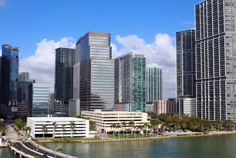 Miami linii horyzontu Brickell w centrum budynki w Miami rzeki nabrzeżu fotografia stock
