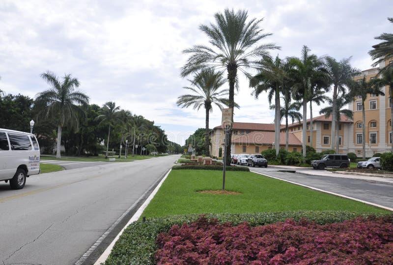 Miami, o 9 de agosto: Aleia da entrada do hotel Biltmore & do clube de Coral Gables de Miami em Florida EUA imagens de stock royalty free