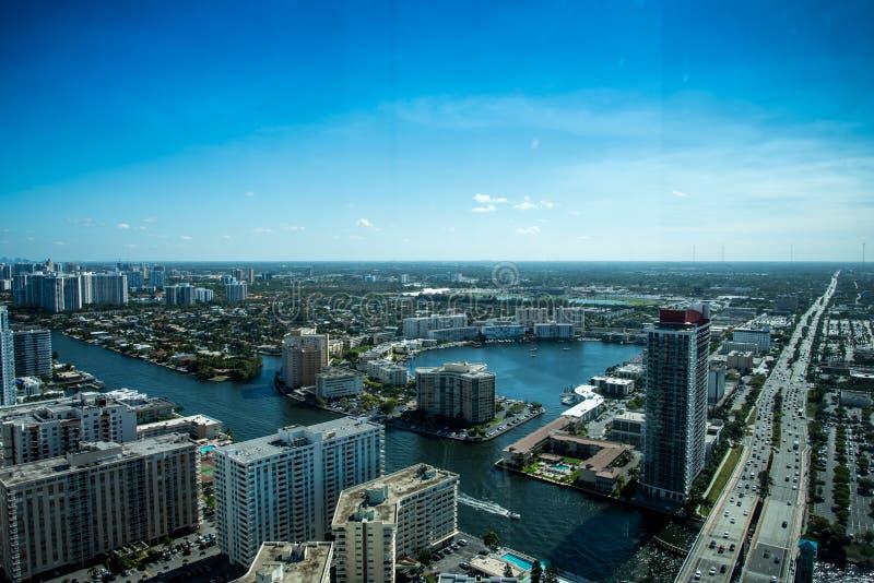 Miami-Stadtbild von der Vogelperspektive lizenzfreies stockbild