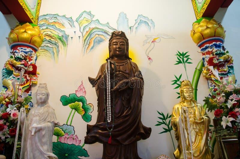 Miaosan dochter, als dusdanig, verdiende hij niet Zij heeft een schitterende makeover, en er zijn ook ceremonies deugd zal hebben stock afbeeldingen