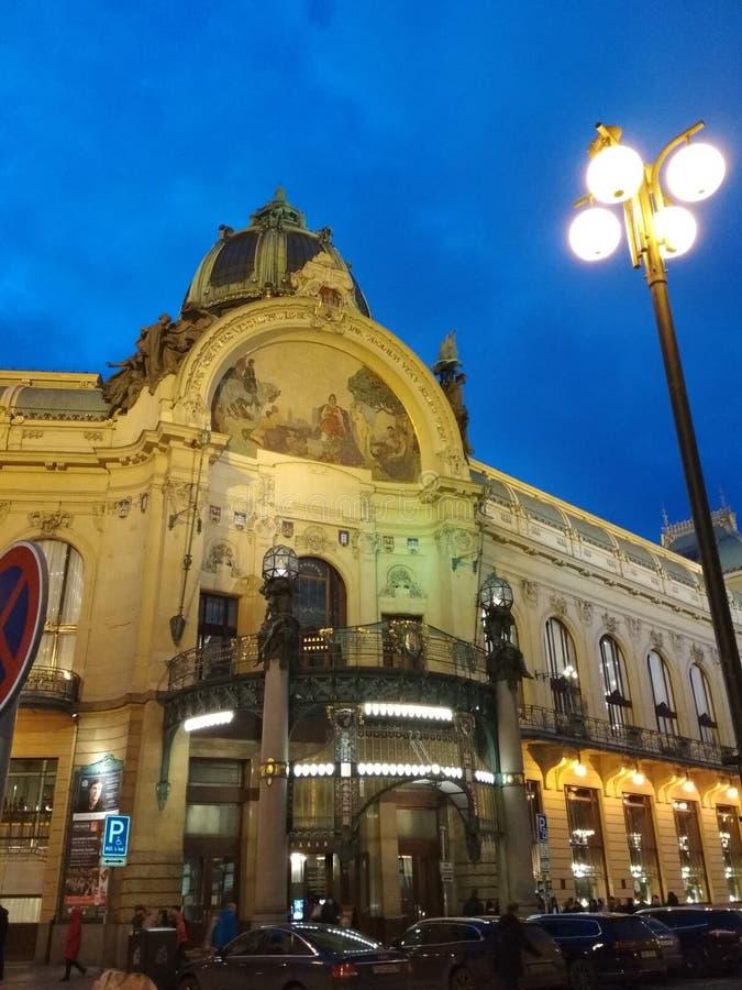 Miasta †‹â€ ‹Praga republika czech spacer wokoło nocy miasta na Bożenarodzeniowych wakacjach zdjęcia stock