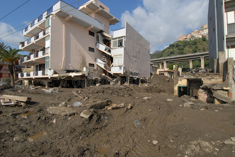 Miasta †‹â€ ‹uderza osunięcie się ziemi i fotografia stock
