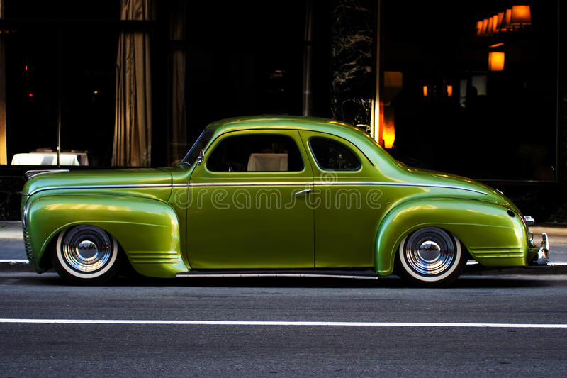 miasta coupe luksusowy zielony Plymouth zdjęcia stock