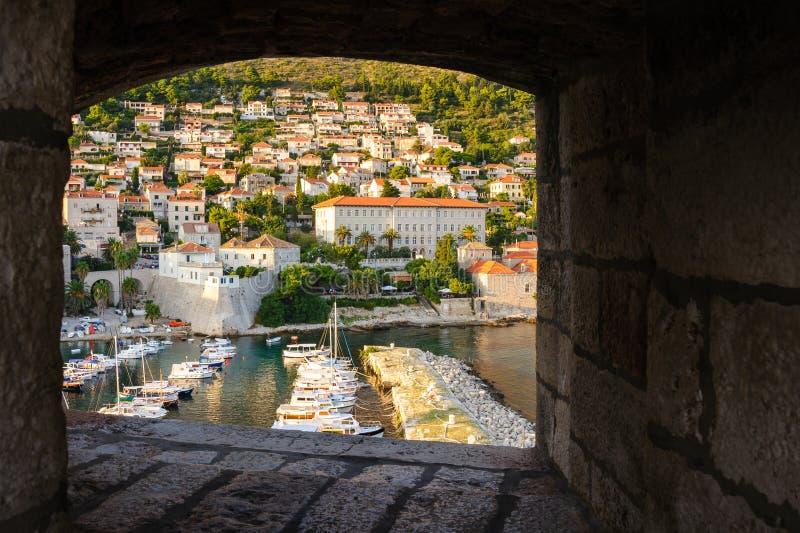 miasta Croatia Dubrovnik Europe oka ryba schronienia obiektywów lokaci stary strzał zdjęcia stock