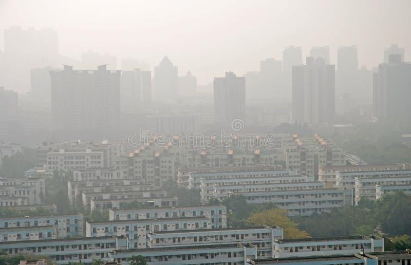 miasta mgławy zatłoczony fotografia royalty free