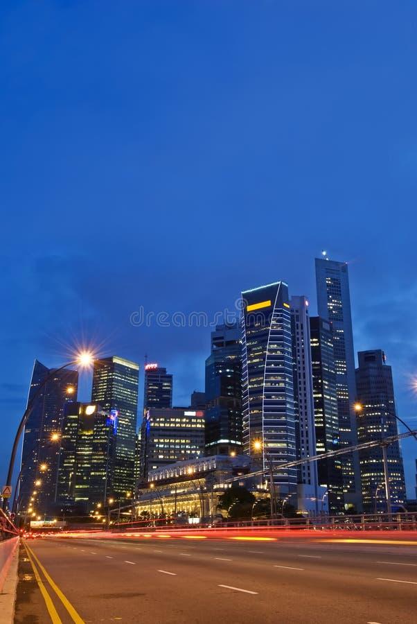 miasta Singapore linia horyzontu ruch drogowy fotografia stock