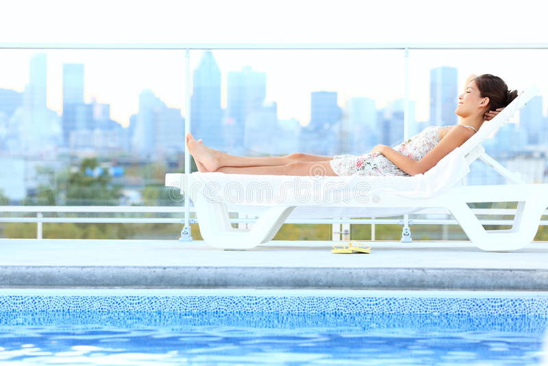 miasta styl życia luksusowa miastowa kobieta obraz royalty free