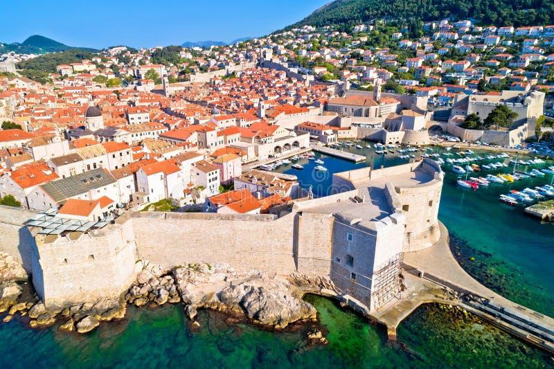 Miasteczko Dubrovnik miasta ścian UNESCO światowego dziedzictwa miejsca antena v zdjęcie royalty free