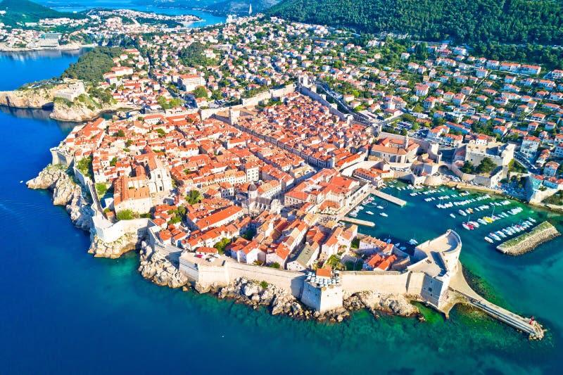 Miasteczko Dubrovnik miasta ścian UNESCO światowego dziedzictwa miejsca antena v obraz royalty free