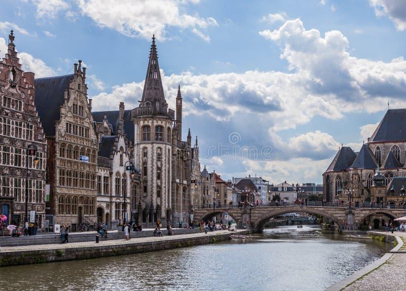 Miasteczko na Rzecznym Lys, Belgia obraz stock