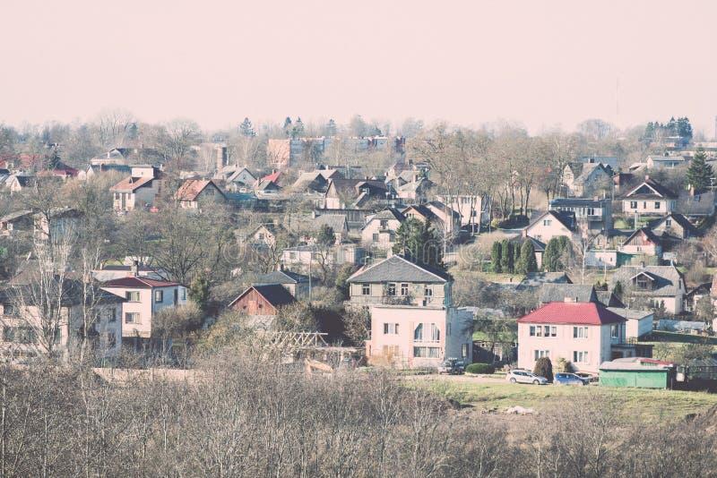 Miasteczko panoramiczny widok od above w jesieni Rocznik obraz stock