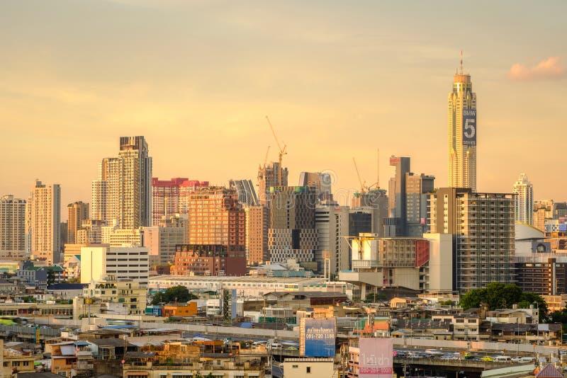 Miasto Bangkok biznesowego terenu linii horyzontu środkowy tło zdjęcia royalty free