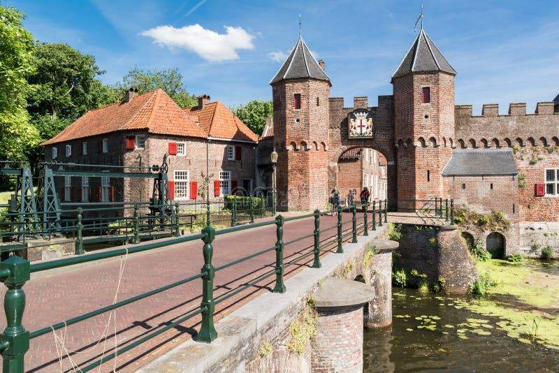 Miasto brama Koppelpoort w Amersfoort, holandie obraz royalty free