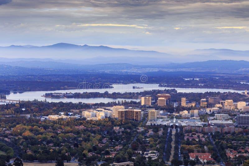 Miasto Canberra przy świtem obraz royalty free