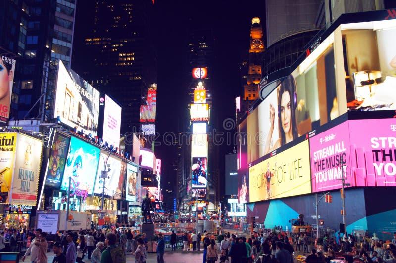 Download Miasto Czas Nowi Kwadratowi York Obraz Stock Editorial - Obraz złożonej z park, lifestyle: 57666039
