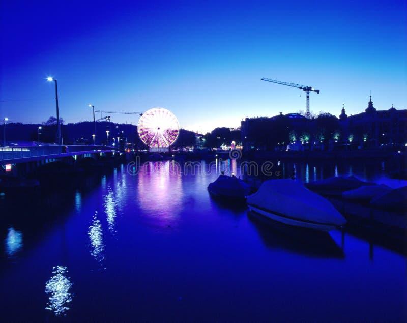 Miasto głąbik przy błękitnymi godzinami obrazy royalty free