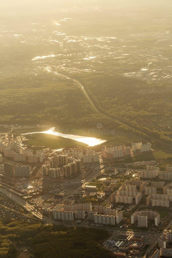 Download Miasto Krajobraz Od Samolotu Obraz Stock - Obraz złożonej z porthole, budynek: 53791385