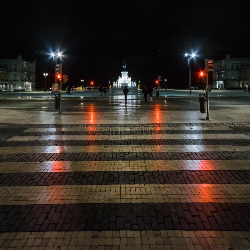 Miasto kwadraty Przez noc w Lisbon Portugalia obraz stock
