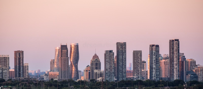 Miasto Mississauga blisko Toronto linii horyzontu obrazy stock