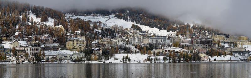Miasto na jeziora St Moritz obrazy stock
