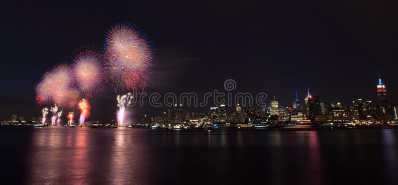 Miasto Nowy Jork - 4th Lipiec Fajerwerki obraz royalty free