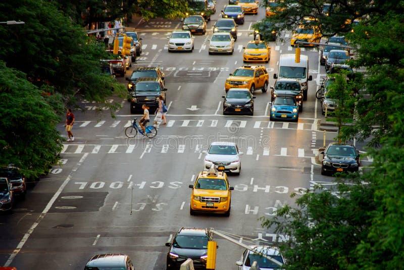 MIASTO NOWY JORK Jujy 02, 2018: Nowy Jork taxi NYC USA A taxi przejażdżki zestrzelają ulicę fotografia royalty free
