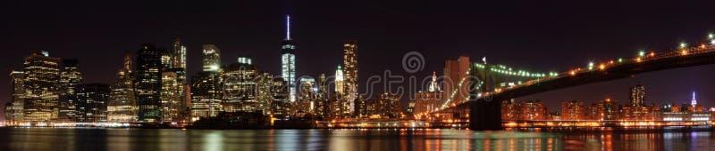 Miasto Nowy Jork linii horyzontu panorama z mostem brooklyńskim zdjęcie royalty free