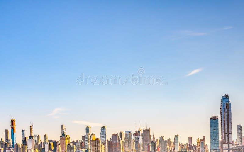 Miasto Nowy Jork, Nowy Jork Stany Zjednoczone, Grudzień, -, 2018: Piękny linia horyzontu Manhattan budynki fotografia stock