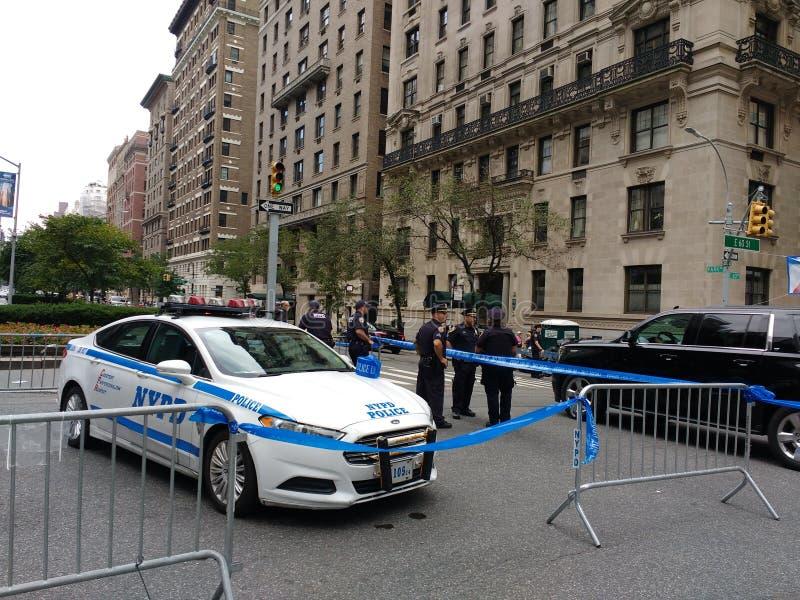 Miasto Nowy Jork Utrzymuje porządek blokadę, Bastille dzień na 60th ulicie, wysokie bezpieczeństwo, NYC, NY, usa obraz stock