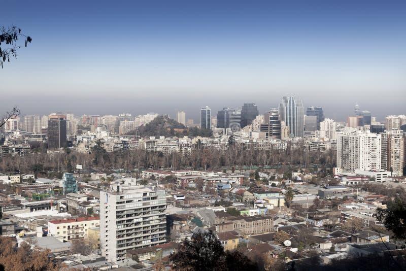Miasto przeglądać od San Cristobal wzgórza, Santiago, fotografia stock
