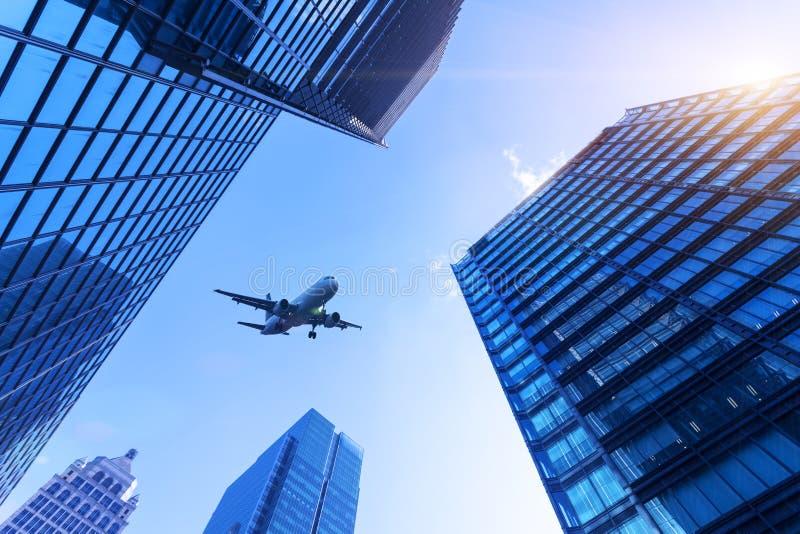 Miasto samolot i budynki obrazy royalty free