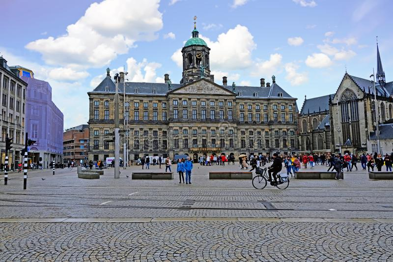 Miasto sceniczny od Amsterdam w holandiach z Dam Square fotografia stock