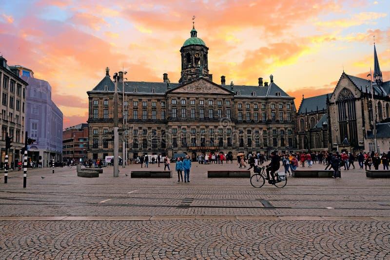 Miasto sceniczny od Amsterdam w holandiach z Dam Square fotografia royalty free