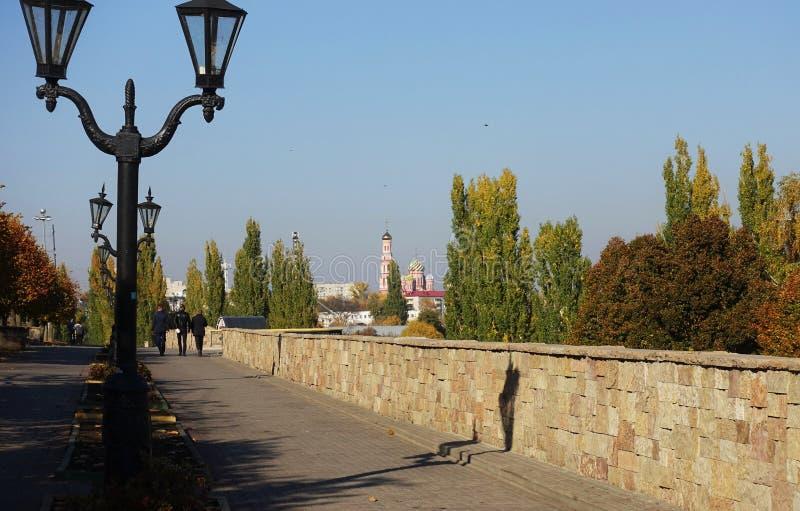 Miasto Tambov, Rosja, bulwar Jesień dzień, pogodny zdjęcia stock