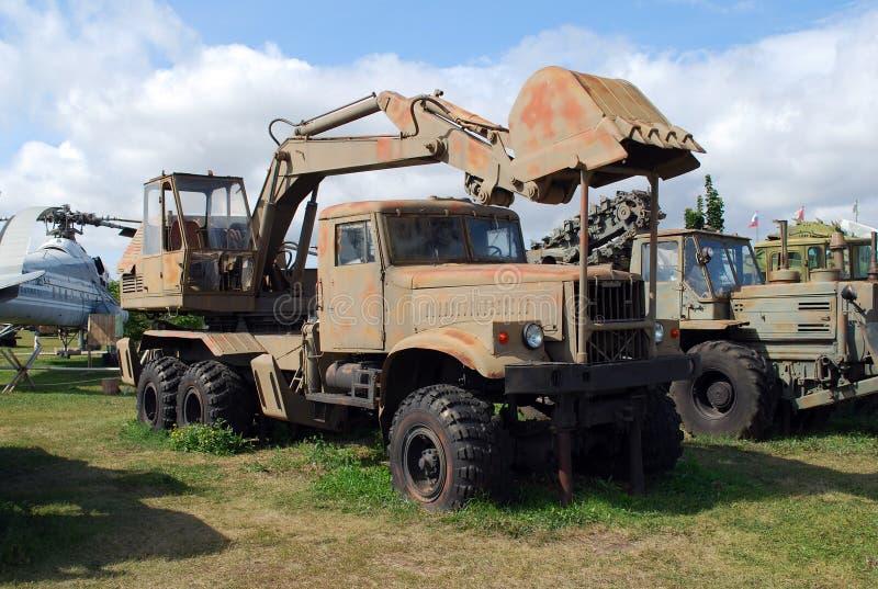 Miasto Togliatti Techniczny muzeum K g sakharov Eksponat muzealny ekskawatoru Odnokovshovy wojsko EOV-4421 obraz stock