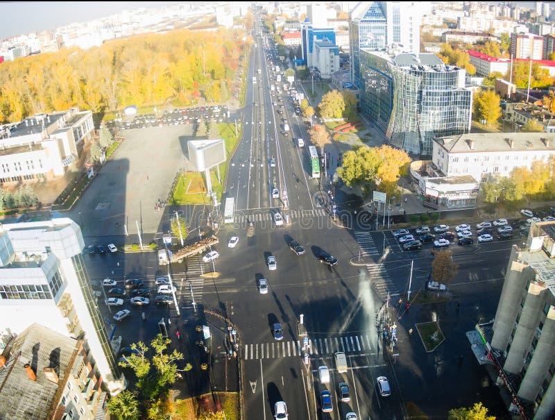 Miasto ulic skrzyżowanie w Tyumen Rosja fotografia royalty free