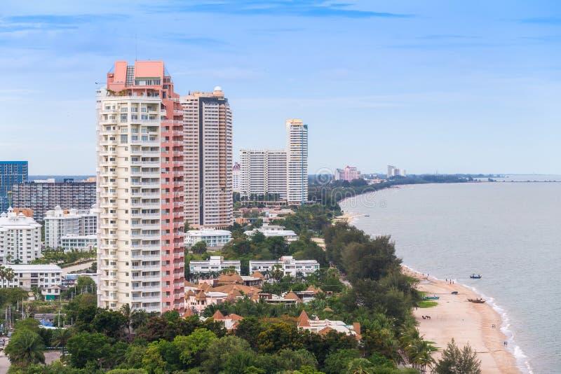 Miastowa miasto linia horyzontu - jesteśmy zatoka i plaża, Tajlandia Ja jest b zdjęcia royalty free