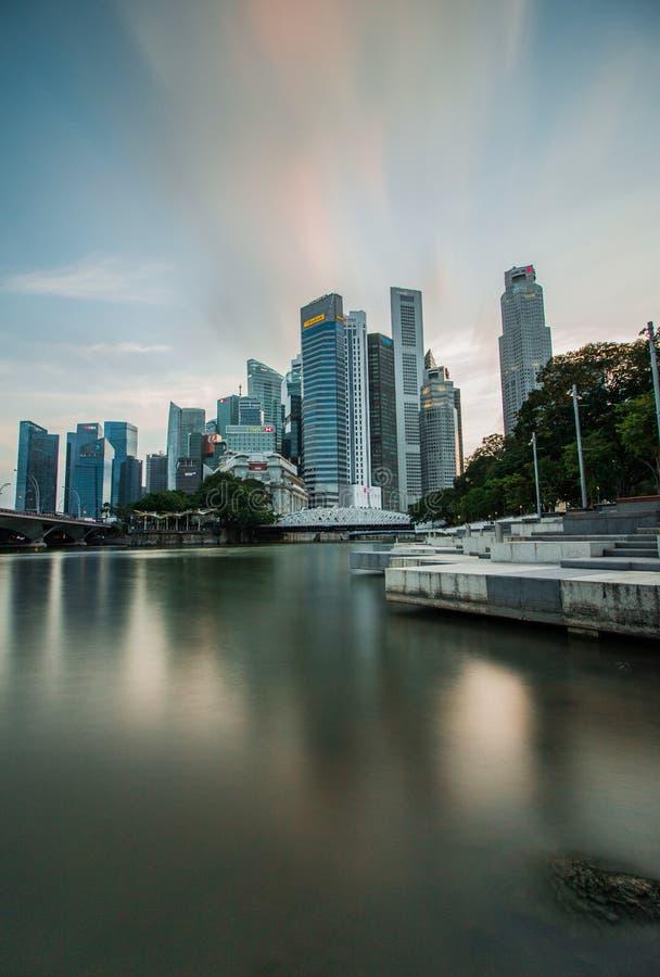 Miastowy miasto głąbik w śródmieściu przy Singapur fotografia stock