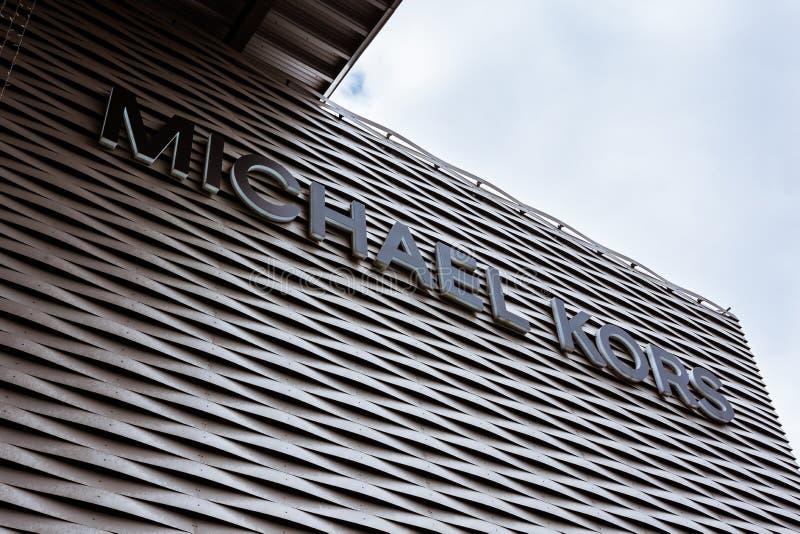 Michael Kors Logo bij Metzingen-Afzet Winkelen Complex in het Duits royalty-vrije stock afbeeldingen