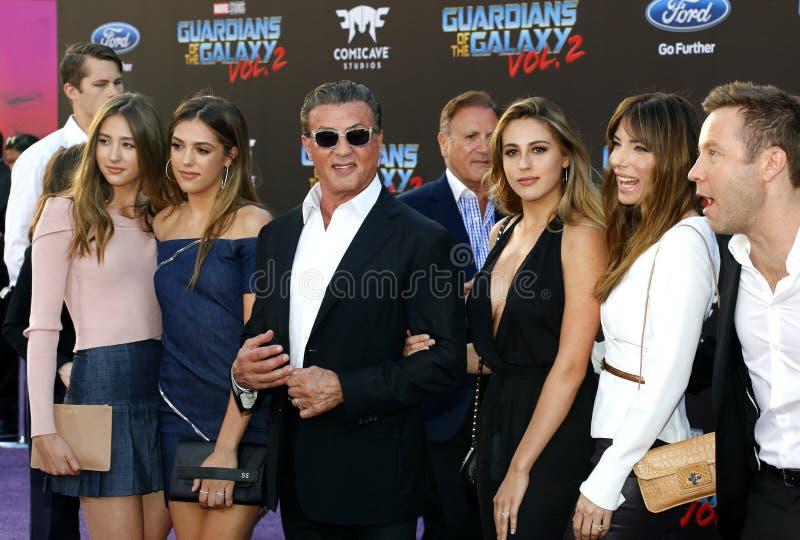 Michael Rosenbaum, Sylvester Stallone, scharlakansröda Rose Stallone, Sistine Rose Stallone, Sophia Rose Stallone, Jennifer Flavi royaltyfri foto