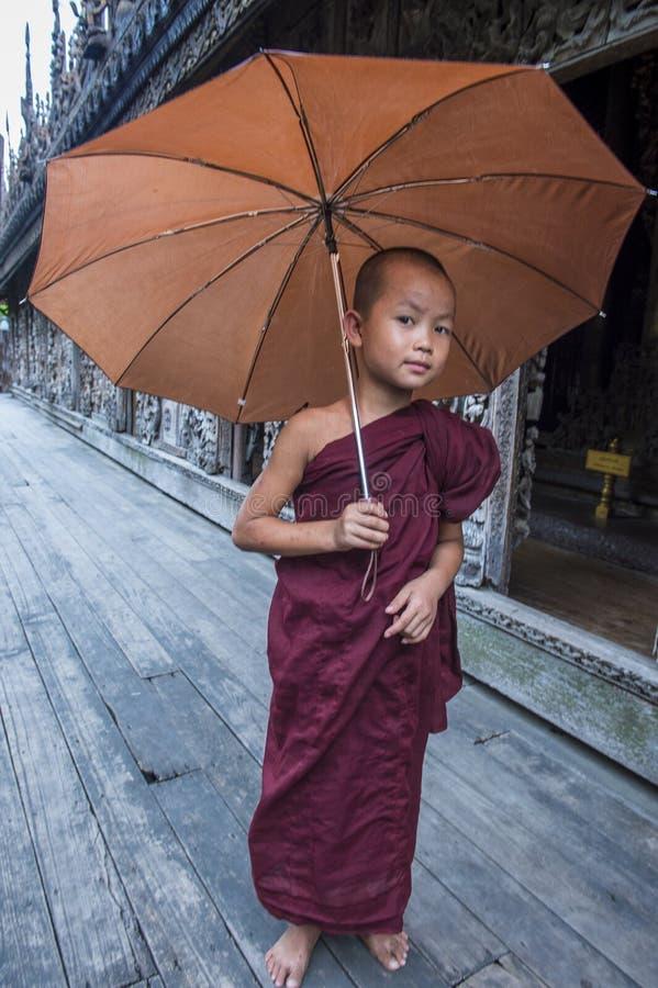 Michaelita przy Shwenandaw monasterem w Mandalay, Myanmar obrazy royalty free