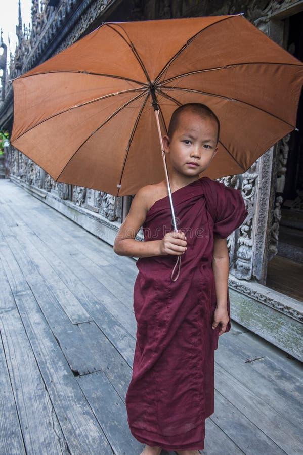 Michaelita przy Shwenandaw monasterem w Mandalay, Myanmar zdjęcie stock